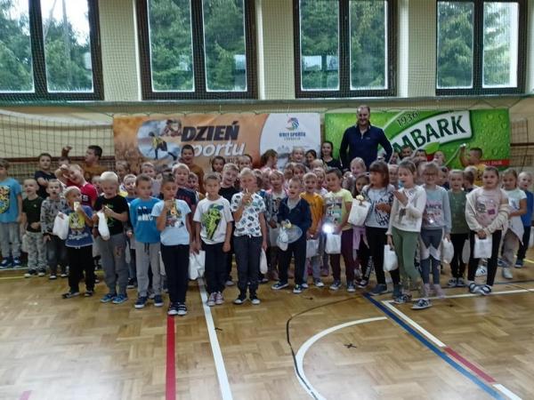 - Radość, emocje, rywalizacja, edukacja, integracja, a przede wszystkim aktywność fizyczna - Artur Żaba podsumowuje Dzień Sportu na Orliku