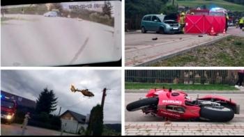 Mamy nagranie z monitoringu. Policja: Opel Meriva podczas włączania się do ruchu nie udzielił pierwszeństwa przejazdu kierującemu motocyklem