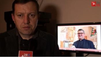 Ks. Bogdan Stelmach:- Modlimy się za służby medyczne, strażaków i wszystkich tych, którzy nam pomagają przetrwać ten trudny czas