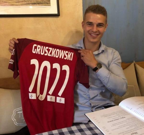 Wychowanek Turbacza, Konrad Gruszkowski, podpisał dwuletni kontrakt z Wisłą Kraków