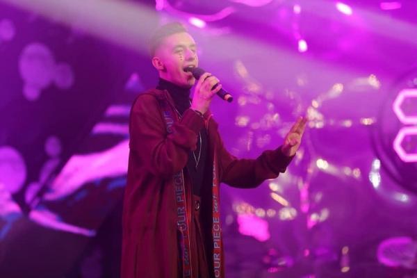 Krystian Kubowicz rozwija swoją karierę muzyczną i pracuje nad debiutanckim singlem
