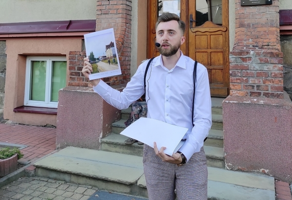 - Chciałbym, by ten pierwszy autorski spacer był początkiem cyklu spacerów po naszym mieście na przełomie XIX i XX w. - mówi Michał Wójcik